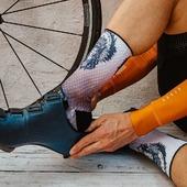Cómodos, agradables y ajustados, perfectos para lucir en la carretera✌️ Comfortable, nice and tight perfect to show off on the road.⚡ Còmodes, agradables i ajustats, perfectes per lluir a la carretera🚴♂️ .  #cycling#cyclingsocks#triathlon#mtb#running