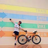 Swim, bike, run, entrenando duro cumplirás tu objetivo🏊♀️ Training hard you will meet your goal🚴♂️ Entrenat dur, cumpliras l'objectiu🏃♀️ .@marta_cycling #cycling#triathlon#running#mtb#mallorcabike